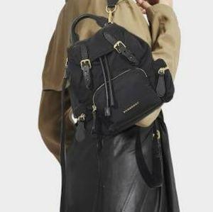 Btand NEW BURBERRY rucksack